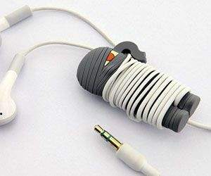 Dealing with a tangled cluster of wires will become a thing of the past with the mummy wrap headphone cord. This cool mummy wrap is made of biodegradable silicone and provides a cool and convenient way to keep your headphones neat and tidy all the time.