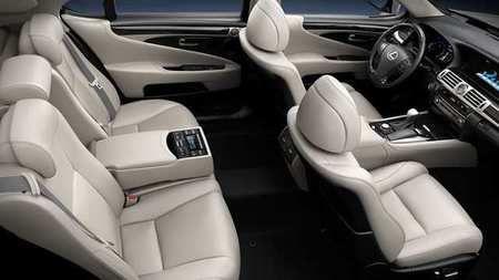 2017 Lexus LS 460 - interior 1