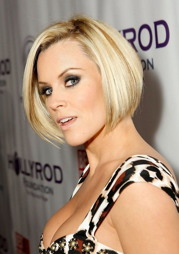 Celebrity Stacked Bob Hairstyle - Jenny McCarthy's Short Hairstyle,,,,ignore the cleavage.....