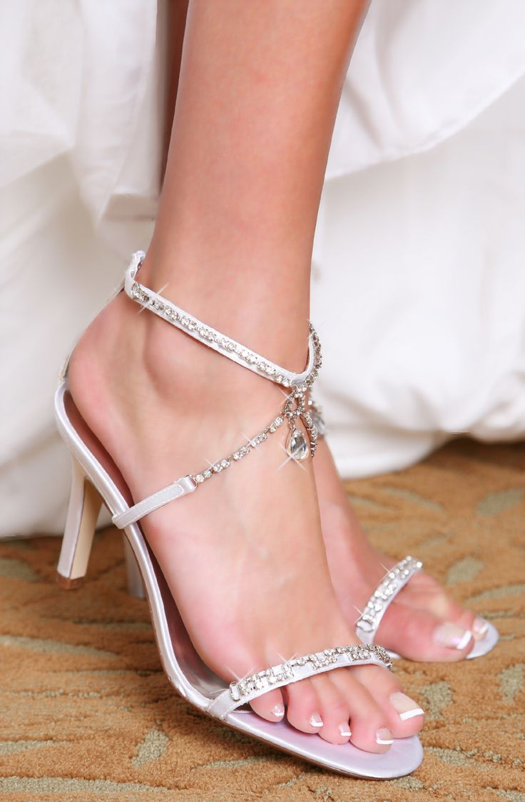 so pretty and the heel isn't too high