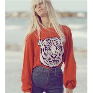 WHITE+TIGER+HOLIDAY+SWEATER+||+WILDFOX+WHITE+LABEL