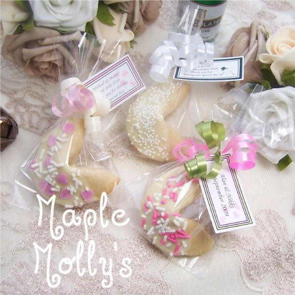 Google Image Result For Http Www Maplemollys Co Uk Productimages Wedding 2520chocolate 2520fortune 2520cookies 2520five Jpg Dulce Pinterest Favors