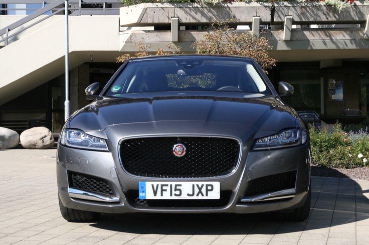 Jaguar #XF 2016 vorne grau *Verbrauchs- und Emissionswerte F-TYPE, XE, XF, XJ, XK, inklusive R-Modelle: Kraftstoffverbrauch im kombinierten Testzyklus (NEFZ): 12,3 – 3,8 l/100km. CO2-Emissionen im kombinierten Testzyklus: 297 – 99 g/km.