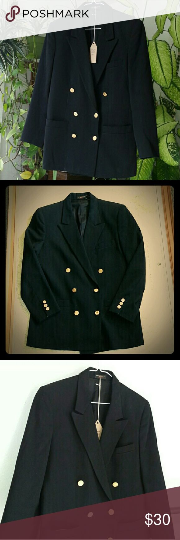Vintage Womens Military Blazer Womens Vintage Military style blazer, perfect for a photo shoot or costume party, has a few stains in the bottom. Vintage Jackets & Coats Blazers
