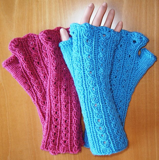 fingerlose handschuhe mit ajourz pfchen pattern by ulrike w lz stricken ravelry und muster. Black Bedroom Furniture Sets. Home Design Ideas