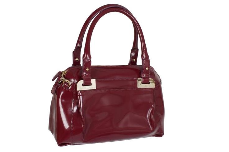 Chic Red Shoulder Bag from Rocco Barocco #GBmoda #AbuDhabi #Fashion #Roccobarocco