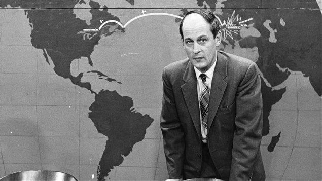 René Lévesque dans sa vie de journaliste. Il anime ici sa populaire émission Point de mire.