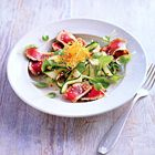 Een heerlijk recept: Carpaccio van tonijn met courgette en soja-sesamdressing