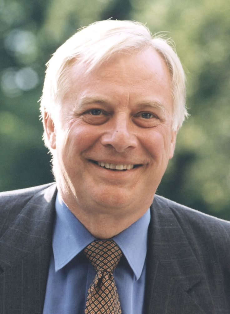 Chris Patten, the last British Governor of Hong Kong and a former EU Commissioner for External Affairs, is Chancellor of the University of Oxford.    (http://www.project-syndicate.org/contributor/chris-patten)