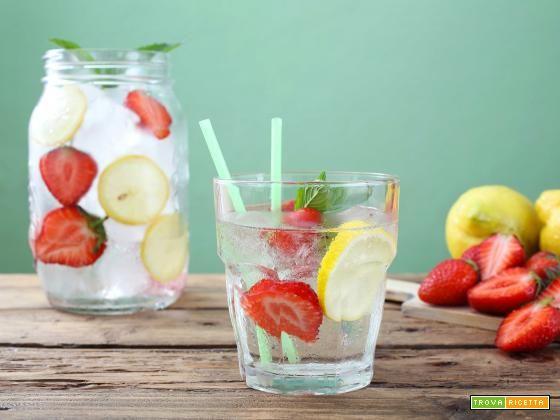 Ricetta acqua detox lime e menta  #ricette #food #recipes