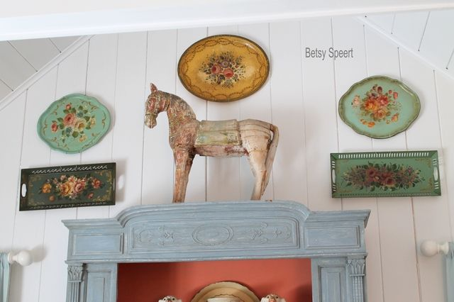 Betsy Speert's Blog: Tole Tray LoveTole Trays, Decor Fave, Cottages Style, Betsy Speert, Home Room Decor, Speert Blog, Gallery Wall, Speert Pics, Teas Parties