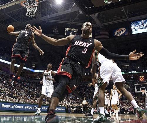 #dwayne_wade #wade #dwayne #heat #lebron #james #lebron_james #basketball #bball #cavaliers