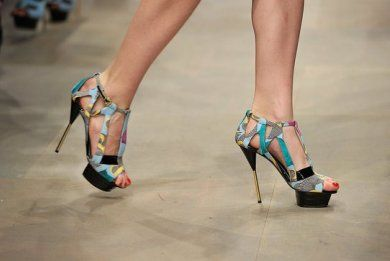 Wonderful shoes.I think they are veru chic for any woman. Grate ckoice for a weding or party http://www.i-live.gr/th-papoutsia-moda/# #woman