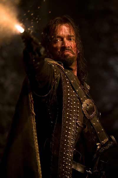 Solomon Kane (James Purefoy)