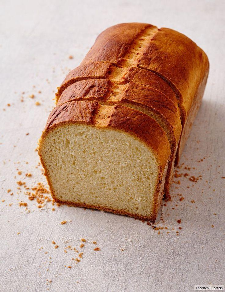 Feine Krume, knusprige Kruste, mit Milch und Butter gebacken - so muss ein gutes Weißbrot aussehen und schmecken!