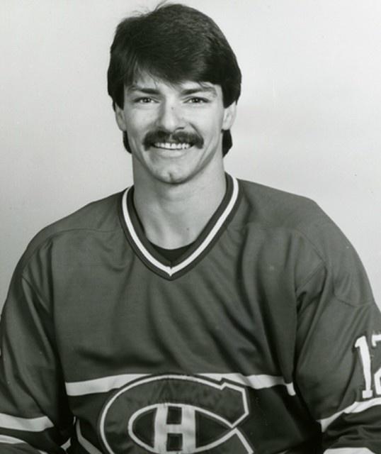 Serge Boisvert signe avec le Canadien de Montréal en tant que joueur autonome le 8 février 1985. Entre les saisons 1984-1985 et  1987-1988, il participe à 29 matchs en saisons régulières et 23 matchs en séries éliminatoires. Son nom est gravé sur la Coupe Stanley suite à la conquête de 1985-1986. Il participe à 9 matchs et marque deux buts au cours de ces séries.