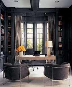 Classic Chic Home Decorating With Dark Gray Walls I Used To Despise Gray In Any Shade But Have Lately Been Very Attracted To Decorating With Dark And Light