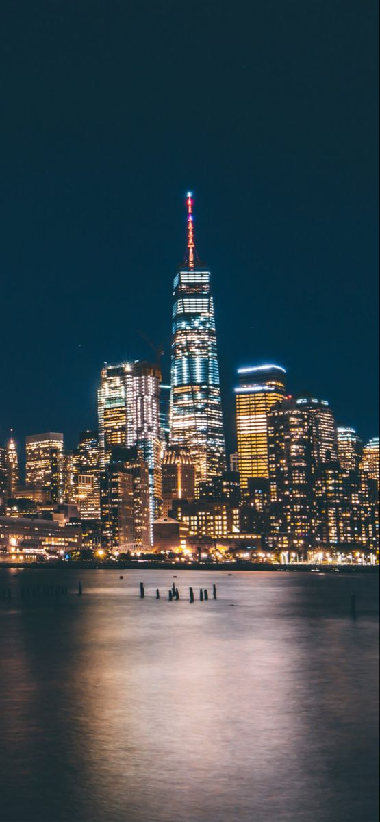 Descarga Los Mejores 103 Fondos De Pantalla De La Ciudad De Nueva York Black And White Wallpaper Iphone Black And White Picture Wall Black And White Wallpaper