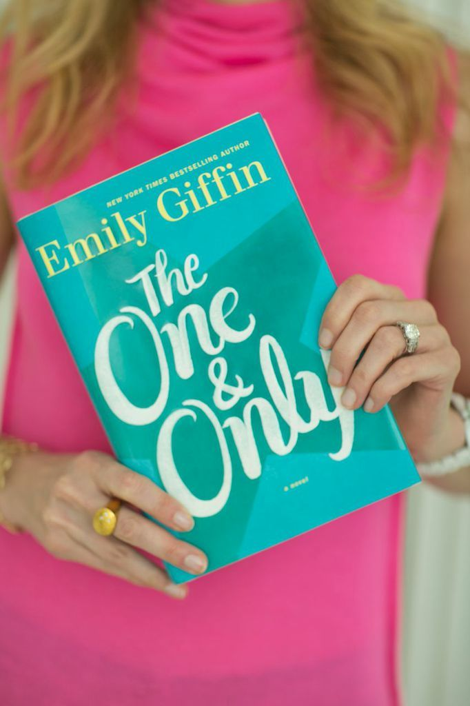 Interview and Advice with Bestselling Author Emily Giffin #theeverygirl #home #career