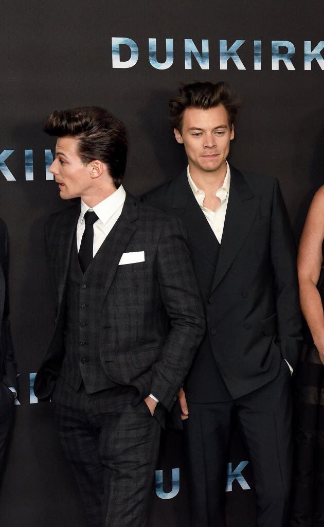 Lou with a patterned suit? Haha.