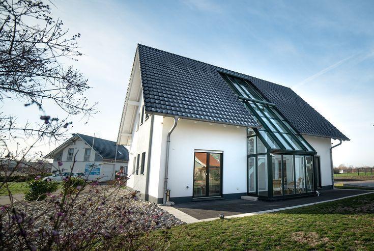 SchlösserHaus – Massivbau – GmbH. Ein Haus mit geräumigem Wohn / Nutzfläche, …