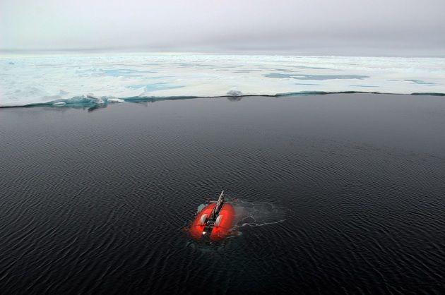 Le prime, suggestive riprese di NUI, un robot subacqueo che sta documentando la vita delle creature capaci di sopravvivere sotto lo spesso strato di ghiacci polari.