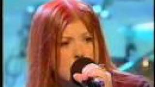 "Kirsty MacColl ""In These Shoes?"" - YouTube"