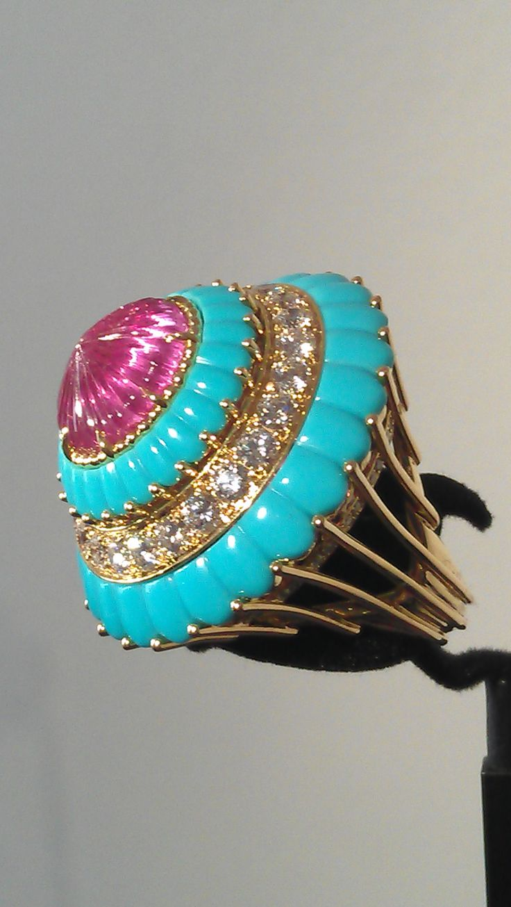 Van cleef amp arpels vca 18k yellow gold ruby cabochon amp diamond - Faceted Cabochon Combo For Gem Day Lovely Use Of Turquoise In This Ring From Van Cleef Arpels Note The Setting And The Shank That Mimics Jewellery
