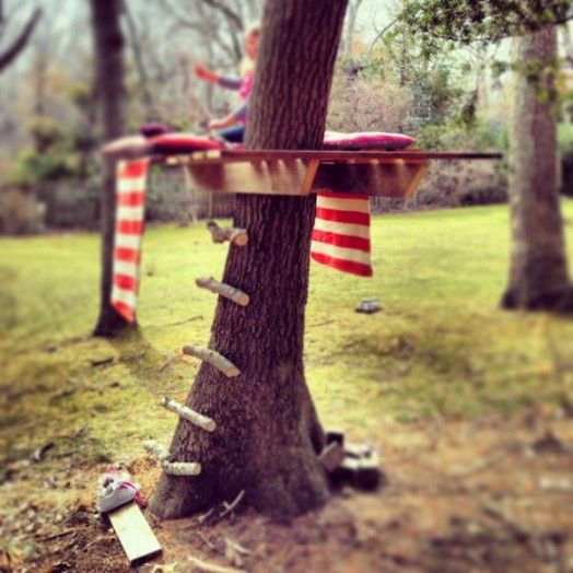 Simple And Cute DIY Tree House For Your Kids' Outdoor Pastime | Kidsomania