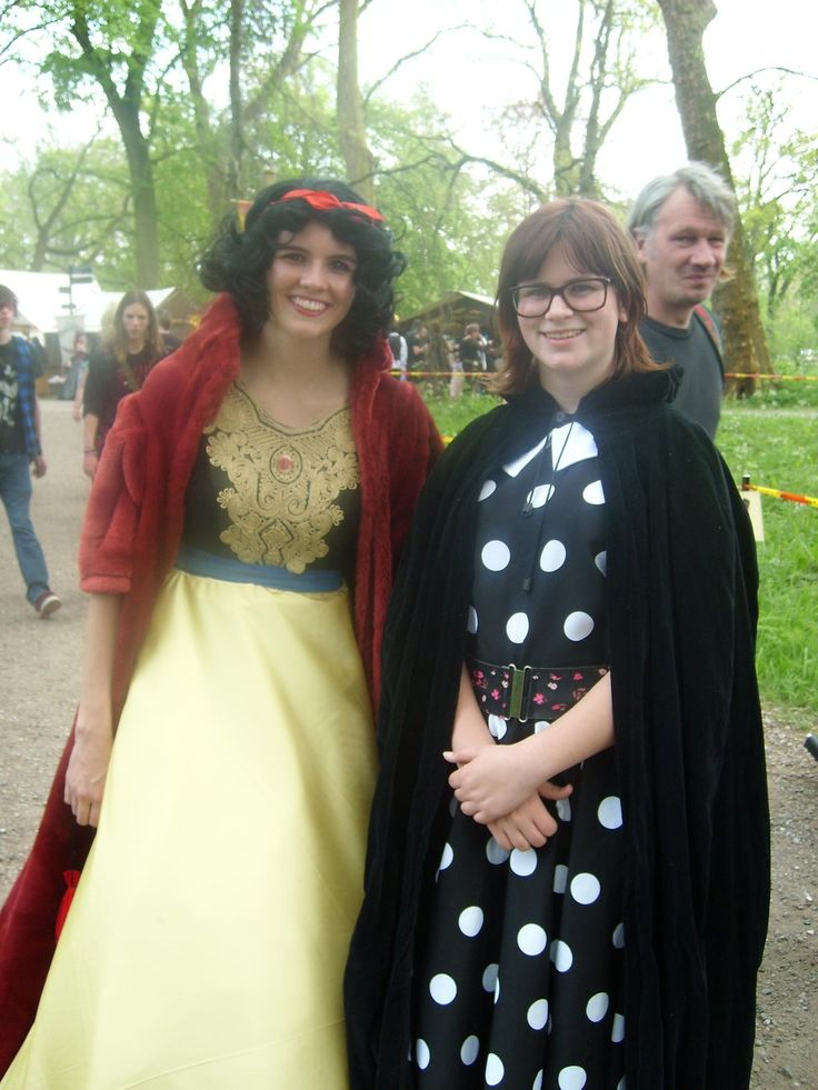 Snow White from Snow White and the seven dwarfs and Mary Margret from Once Upon a Time Elf Fantasy Fair 2014 Haarzuilens