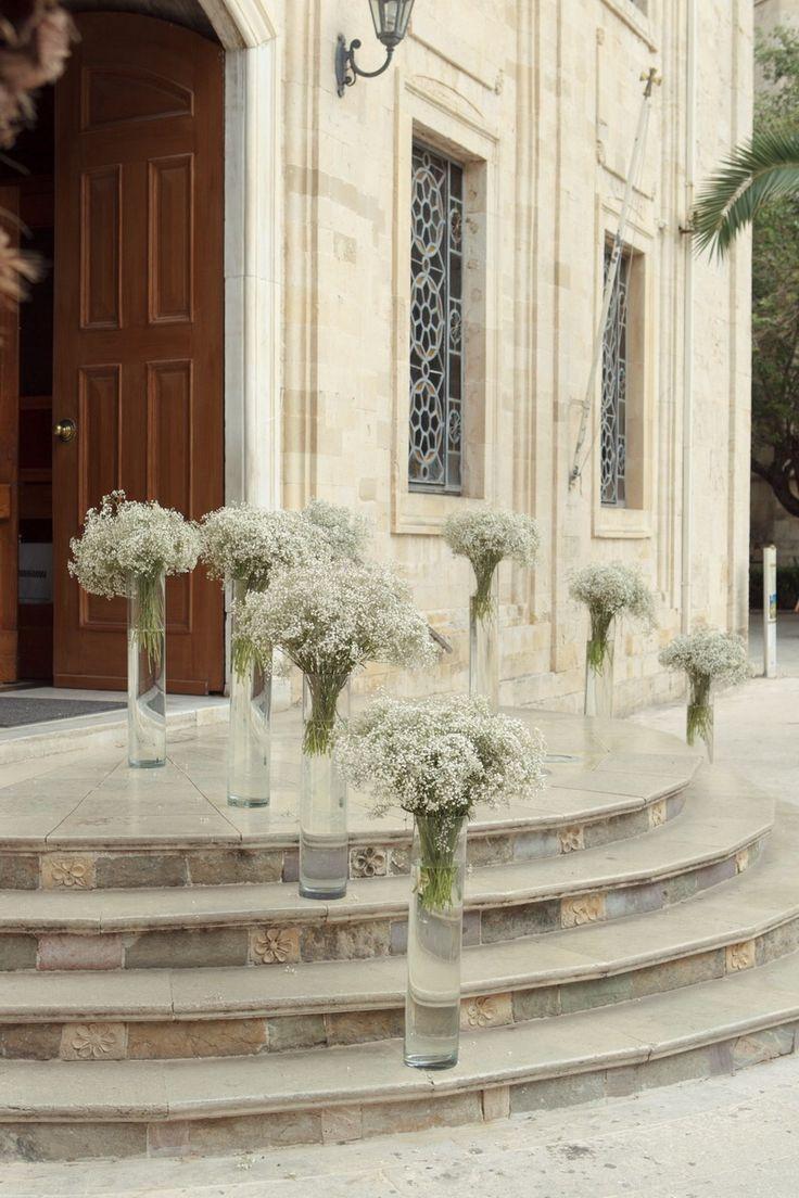 Hermosos detalles en flores para la decoración de Iglesia… #LosExpertosRecomiendan.