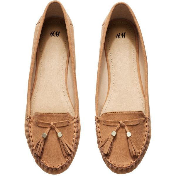H&M Loafers with tassels (15 CAD) ❤ liked on Polyvore featuring shoes, loafers, flats, sapatos, zapatos, h&m shoes, flat shoes, h&m flats, h&m and rubber sole shoes