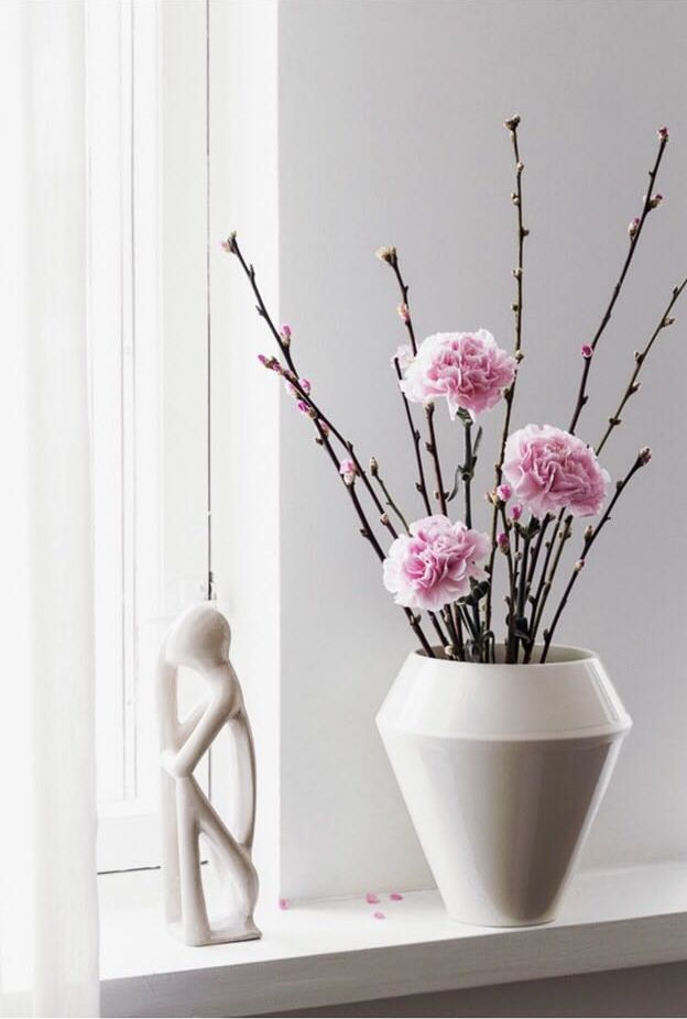 Rimm flowerpot. Photo by @coffeetablediary.