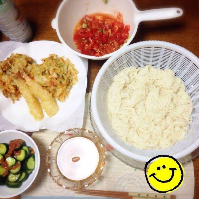 息子に任せた夕ご飯。 私は、母が買ってきてくれた天ぷらを揚げ焼きしただけ… - 27件のもぐもぐ - 暑すぎて素麺 by marikolo