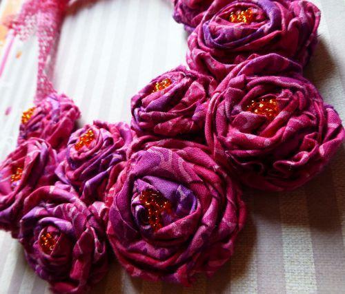 tuto collier fleur en tissu