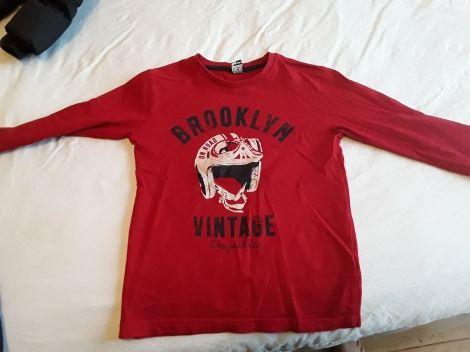 Je viens de mettre en vente cet article  : Polo Tape à l'oeil 5,00 € http://www.videdressing.com/polos/tape-a-l-oeil/p-5590880.html?utm_source=pinterest&utm_medium=pinterest_share&utm_campaign=FR_Enfant_Gar%C3%A7on_V%C3%AAtements_Tee-shirts+%26+Polos_5590880_pinterest_share