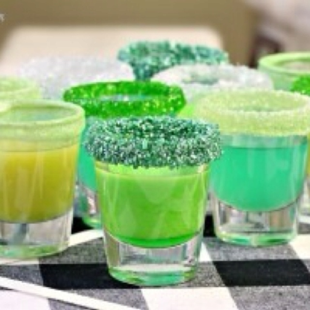St Paddys day shots @ELLE Magazine (US) Magazine (US) Marie = not a fan of whiskey but cute little glasses with sugar.. will need to modify - LJ