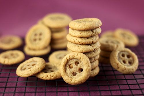 Coraline button cookies