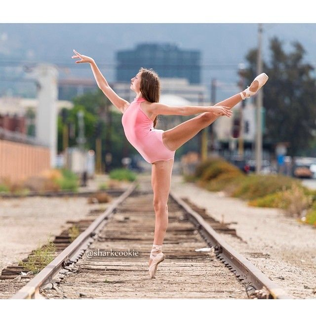 @kennedybrown3 #cookiefamous #dancers