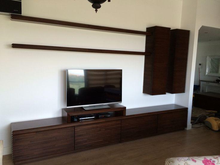 Özel tasarım çıtalı tv ünitesi