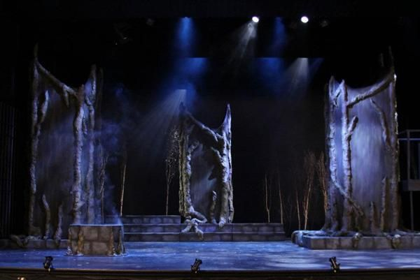 Macbeth. Hart House Theatre, Fall 2011. Set design by Melanie McNeill.