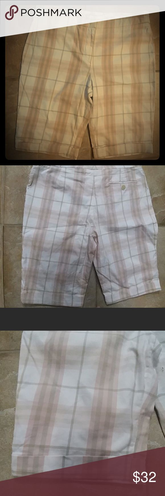 🌸Burberry 🌸Excellent condition 🌸 Burberry Shorts Bermudas