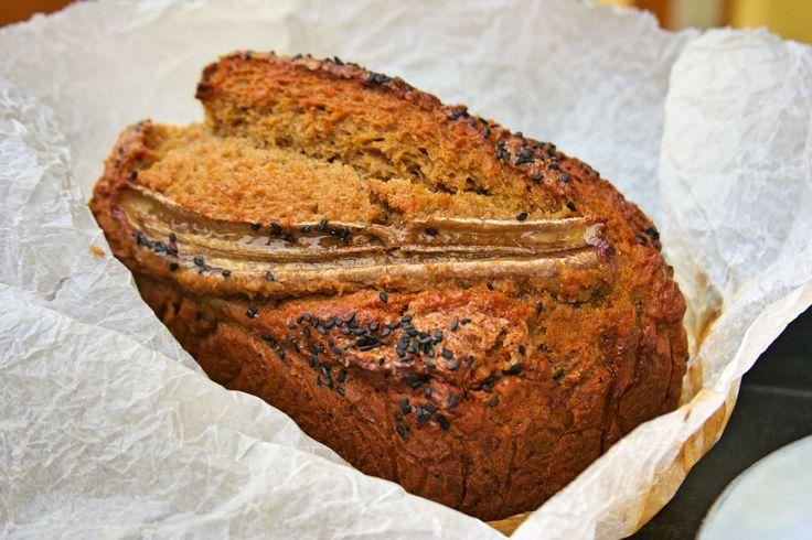 Banánovo-dýňový chlebíček. Sladký tak akorát i přesto, že je téměř bez cukru. Udělejte si radost, zahřešte si, pečte s dětmi. Hlavně žádné výčitky!