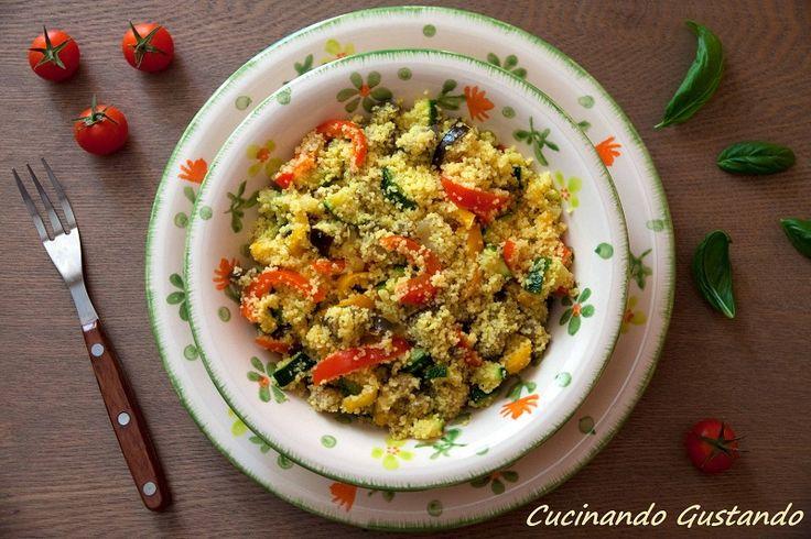 Il tabulè è un semplice e leggero piatto che può essere servito come antipasto o come primo piatto fresco ed estivo!Semplice e veloce da preparare