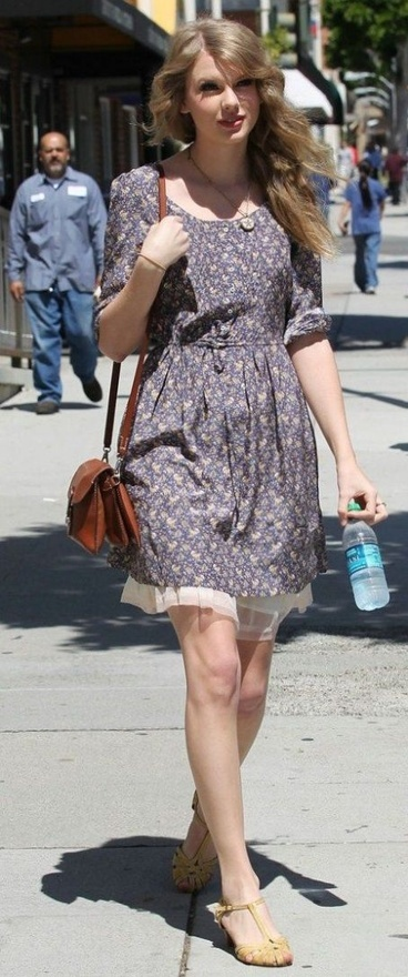 Taylor Swift Fashion and Style - Taylor Swift Dress, Clothes, Hairstyle - Page 16 style-icon