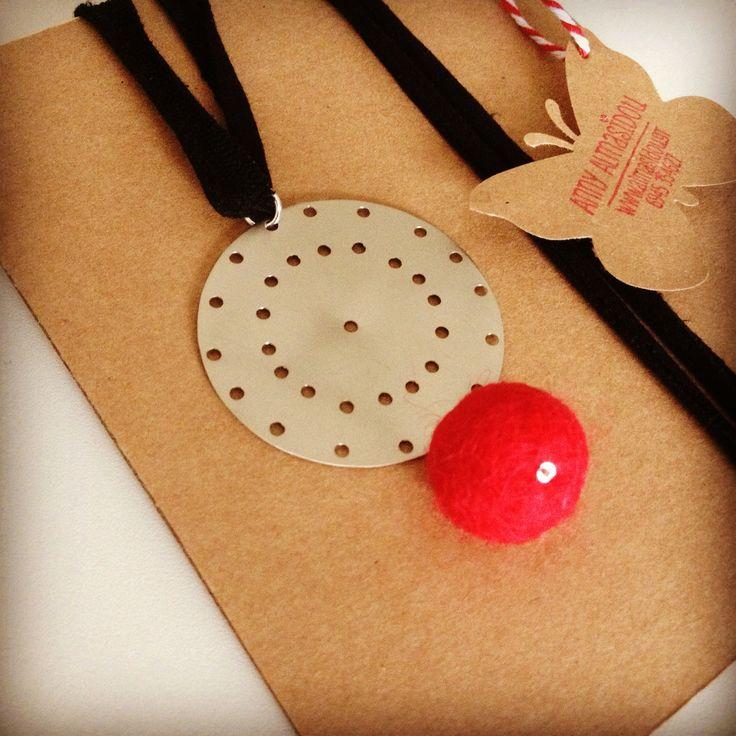 Handmade Azande and felt necklace with adjustable length