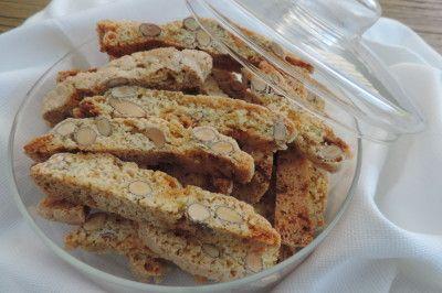 Biscotti met amandelen en witte chocolade