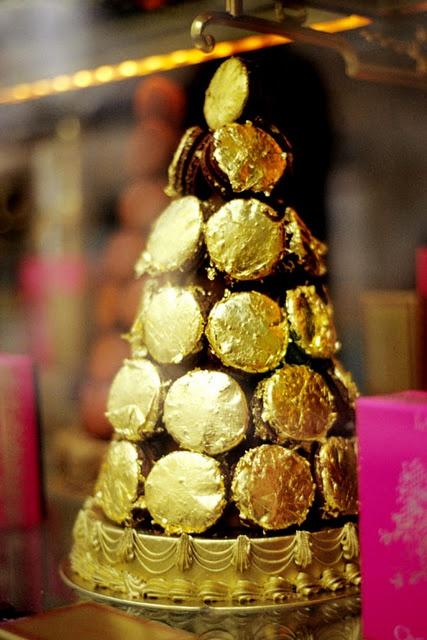 laduree-christmas-cake