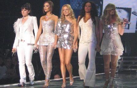 Spice Girls alle Olimpiadi di Londra. Victoria dice no. Geri: «Ha perso lo spirito del gruppo».  A rischio la reunion del gruppo per la cerimonia conclusiva. Non cantano insieme da quattro anni. E tornano a galla i dissidi tra le prime donne