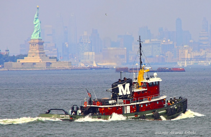 Cape cod en new york 04092009 tug boats boat tug